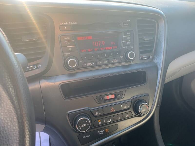 2012 Kia Optima LX 4dr Sedan 6A - Murphysboro IL