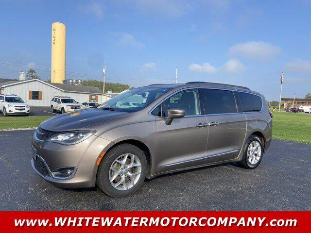 2017 Chrysler Pacifica for sale at WHITEWATER MOTOR CO in Milan IN