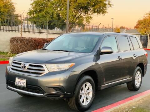 2012 Toyota Highlander for sale at United Star Motors in Sacramento CA