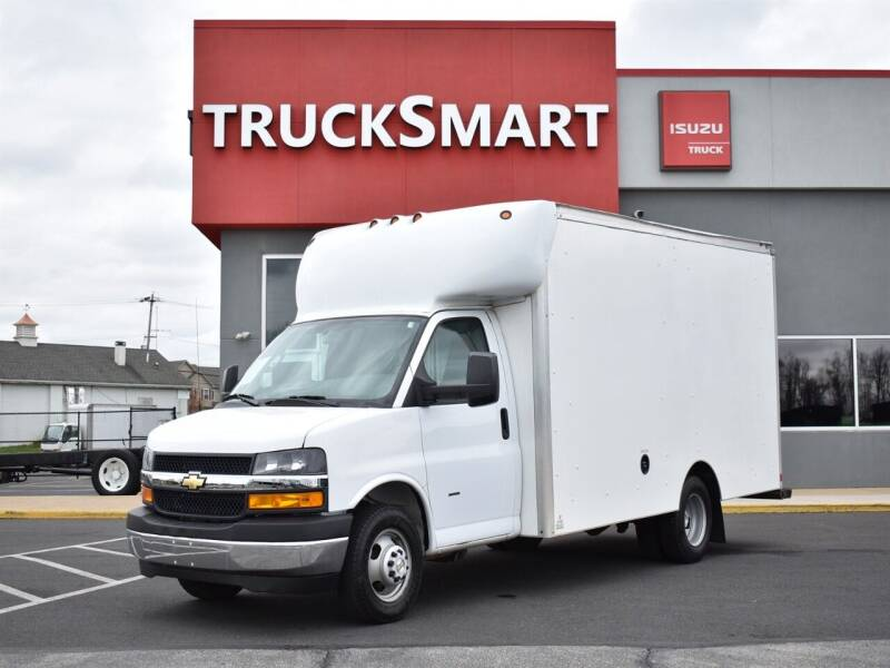 2019 Chevrolet Express Cutaway for sale at Trucksmart Isuzu in Morrisville PA