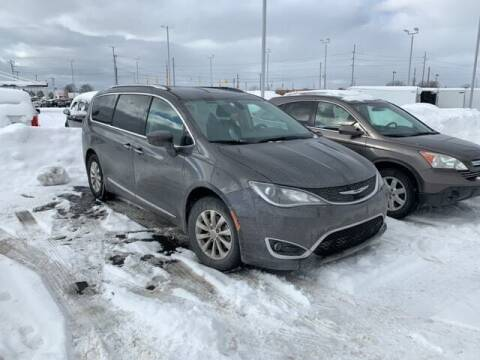 2019 Chrysler Pacifica for sale at BORGMAN OF HOLLAND LLC in Holland MI
