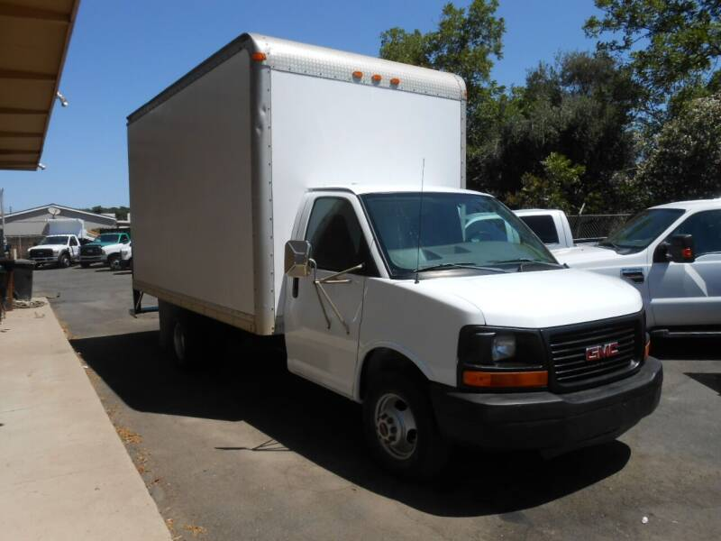 2005 GMC Savana Cutaway for sale at Armstrong Truck Center in Oakdale CA