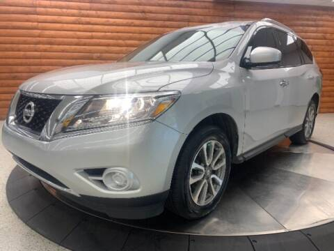 2016 Nissan Pathfinder for sale at Dixie Imports in Fairfield OH