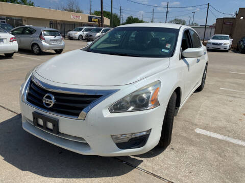 2015 Nissan Altima for sale at Houston Auto Gallery in Katy TX