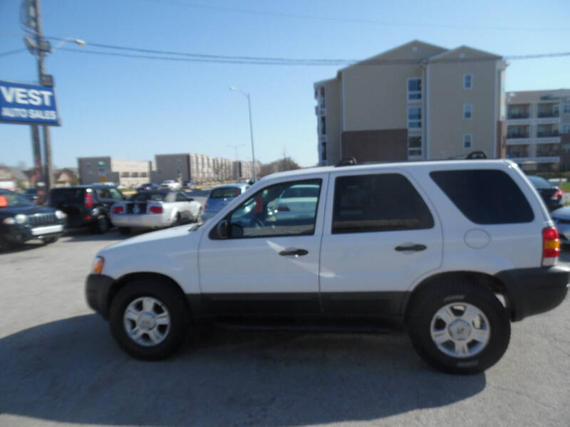 2004 Ford Escape for sale at VEST AUTO SALES in Kansas City MO