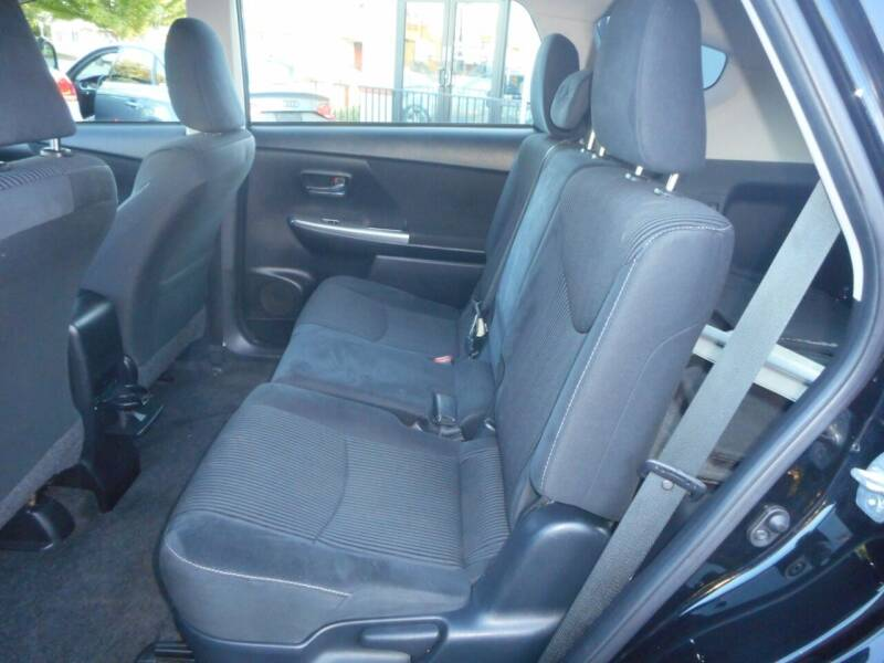2015 Toyota Prius v Three 4dr Wagon - Roseville CA