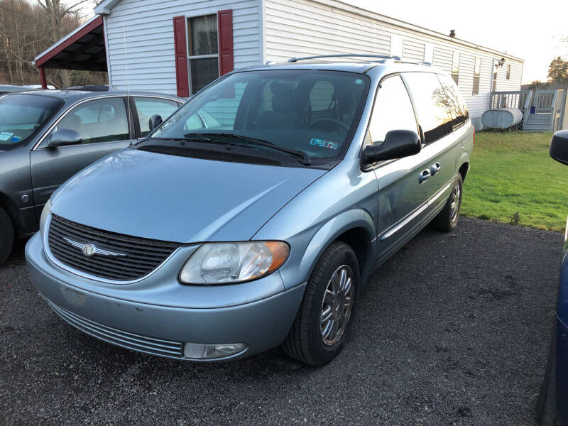 2004 Chrysler Town and Country for sale at CENTRAL AUTO SALES LLC in Norwich NY