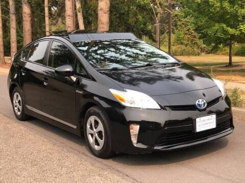 2012 Toyota Prius for sale at CLEAR CHOICE AUTOMOTIVE in Milwaukie OR