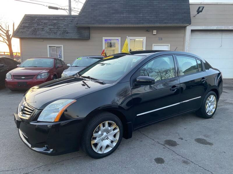 2010 Nissan Sentra for sale at Global Auto Finance & Lease INC in Maywood IL