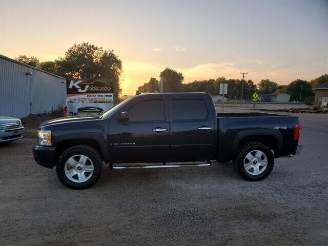 2007 Chevrolet Silverado 1500 for sale at KJ Automotive in Worthing SD