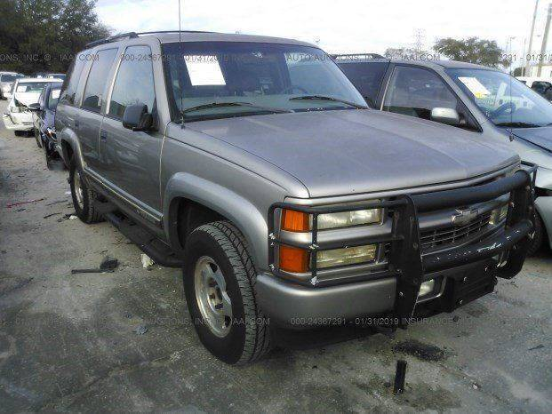 2000 Chevrolet Tahoe Limited/Z71 for sale at Solares Auto Sales in Miami FL