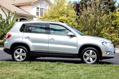 2010 Volkswagen Tiguan for sale at California Diversified Venture in Livermore CA