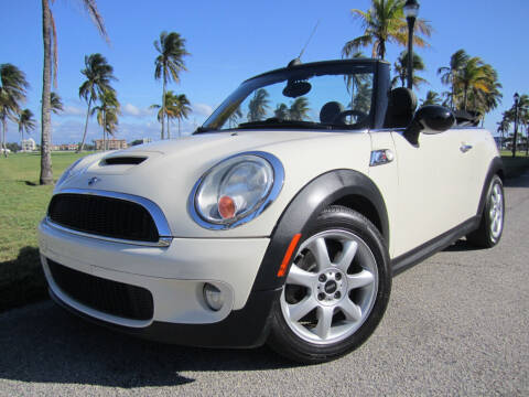 2009 MINI Cooper for sale at FLORIDACARSTOGO in West Palm Beach FL