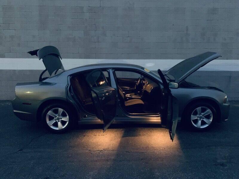 2012 Dodge Charger SE 4dr Sedan - Ontario CA
