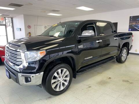 2016 Toyota Tundra for sale at Used Car Outlet in Bloomington IL