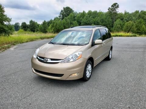 2006 Toyota Sienna for sale at Apex Autos Inc. in Fredericksburg VA