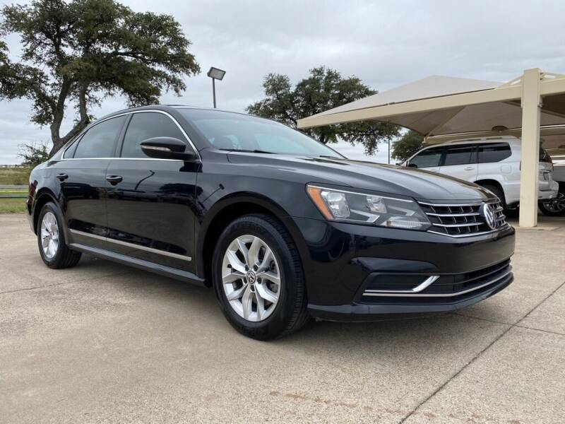 2017 Volkswagen Passat for sale at Thornhill Motor Company in Hudson Oaks, TX