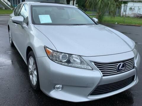 2013 Lexus ES 300h for sale at Consumer Auto Credit in Tampa FL