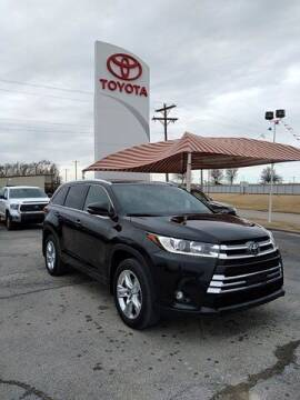 2019 Toyota Highlander for sale at Quality Toyota in Independence KS