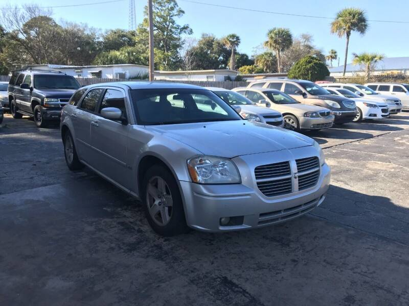 2006 Dodge Magnum for sale at AutoVenture Sales And Rentals in Holly Hill FL