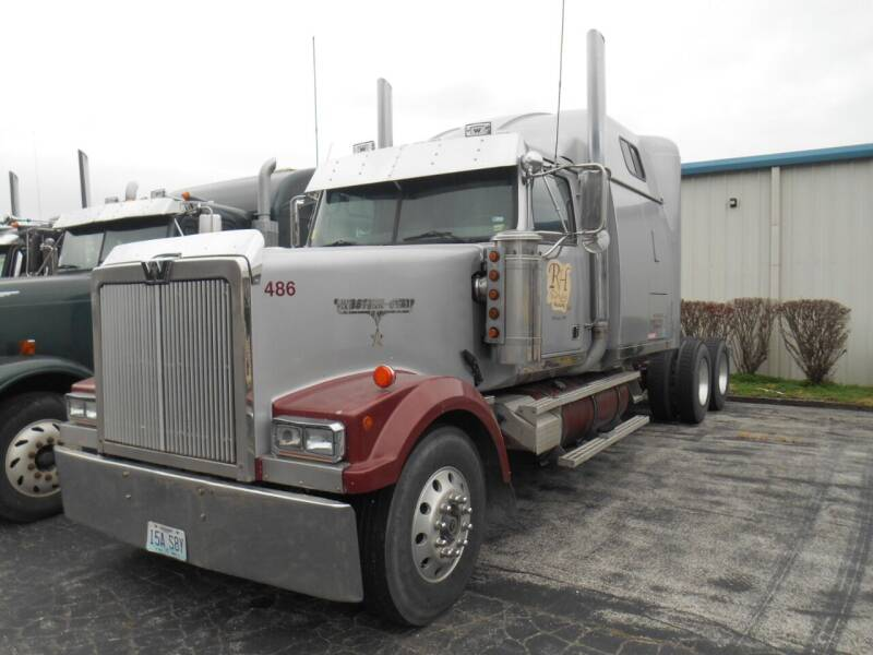 2000 Western Star 4900E for sale at Maczuk Automotive Group in Hermann MO