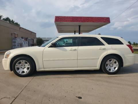 2005 Dodge Magnum for sale at Dakota Auto Inc. in Dakota City NE