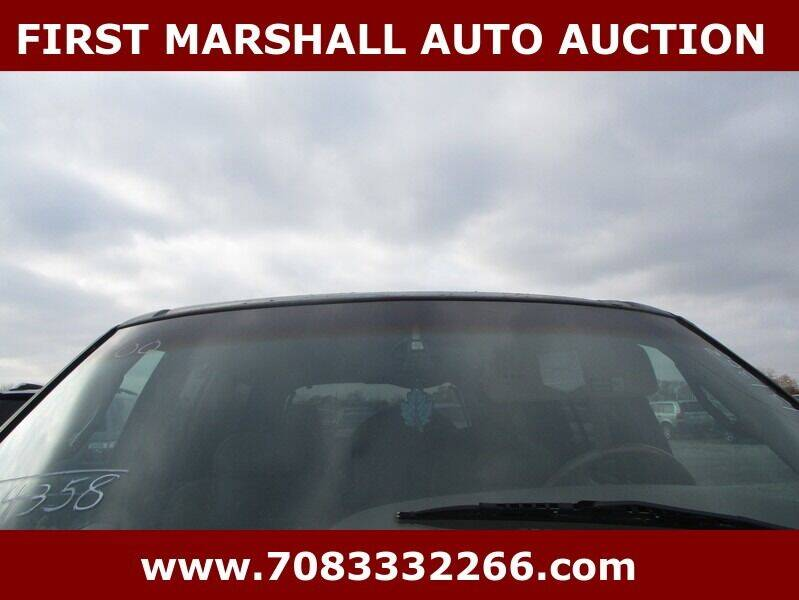 2001 Lincoln Navigator for sale at First Marshall Auto Auction in Harvey IL