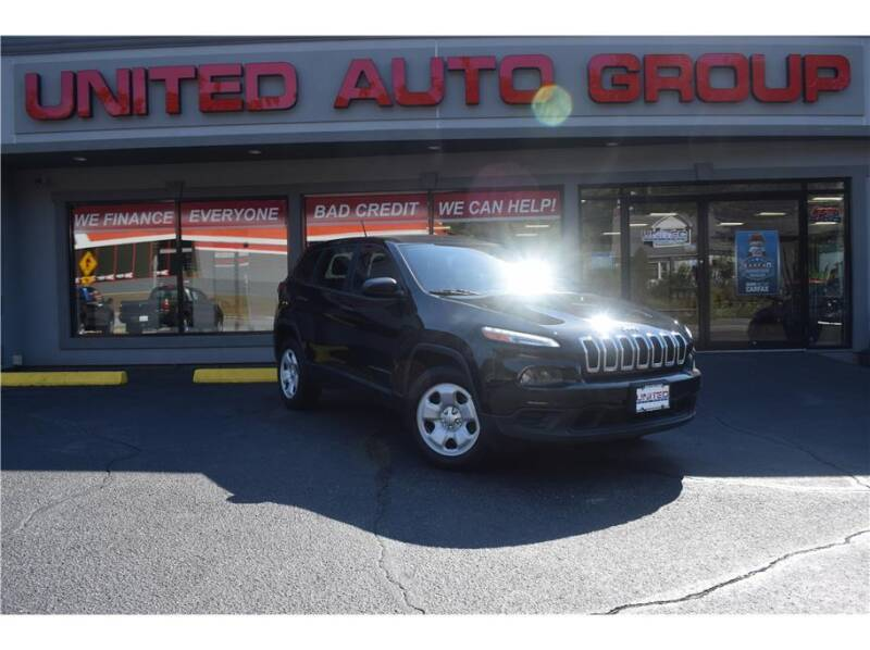 2014 Jeep Cherokee for sale at United Auto Group in Putnam CT
