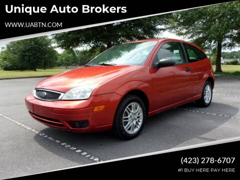 2005 Ford Focus for sale at Unique Auto Brokers in Kingsport TN