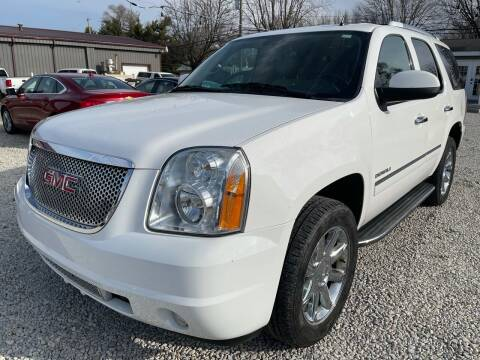 2013 GMC Yukon for sale at Davidson Auto Deals in Syracuse IN