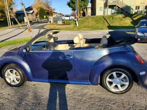 2004 Volkswagen New Beetle Convertible for sale at Knoxville Wholesale in Knoxville TN