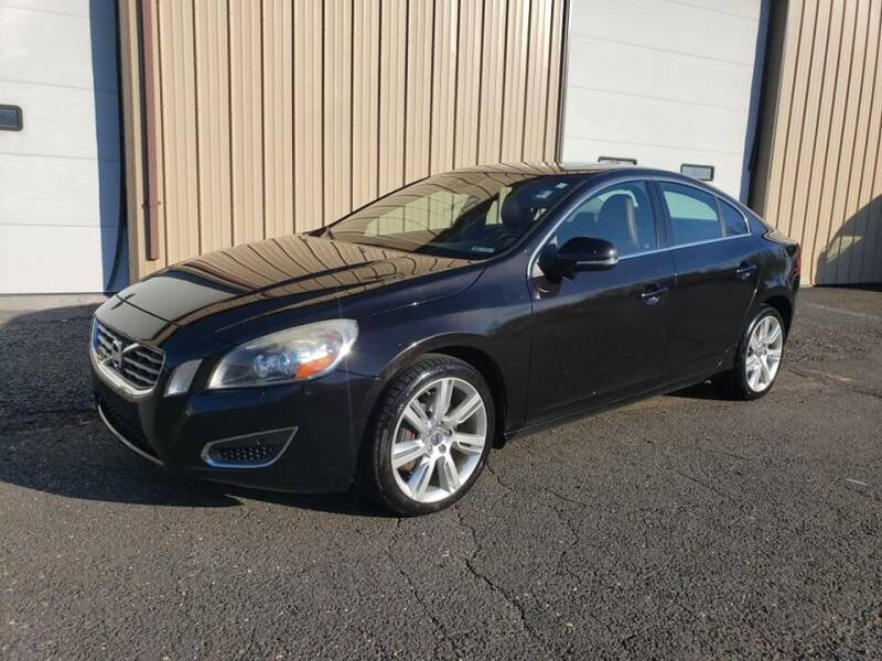 2013 Volvo S60 for sale at Massirio Enterprises in Middletown CT