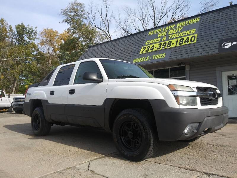 2005 Chevrolet Avalanche for sale at Kevin Lapp Motors in Flat Rock MI