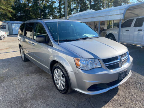 2017 Dodge Grand Caravan for sale at Baileys Truck and Auto Sales in Florence SC