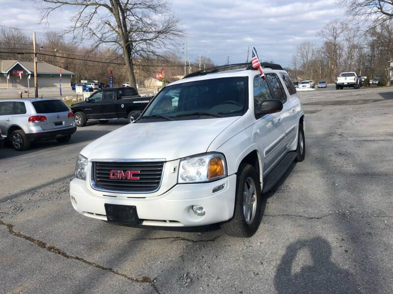 2002 GMC Envoy XL for sale at Noble PreOwned Auto Sales in Martinsburg WV