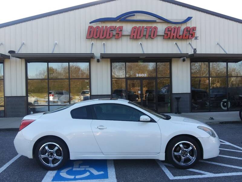 2008 Nissan Altima for sale at DOUG'S AUTO SALES INC in Pleasant View TN