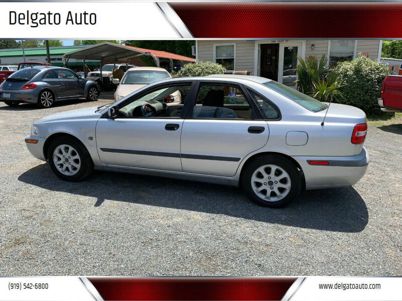 2002 Volvo S40 for sale at Delgato Auto in Pittsboro NC