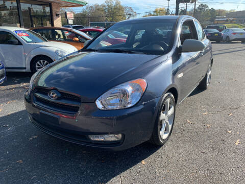 2009 Hyundai Accent for sale at Diana Rico LLC in Dalton GA