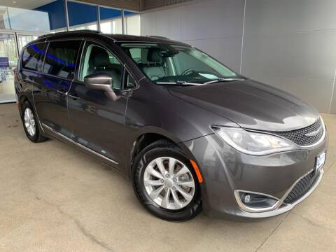 2018 Chrysler Pacifica for sale at Ford Trucks in Ellisville MO