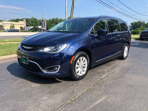 2018 Chrysler Pacifica for sale at iCar Auto Sales in Howell NJ