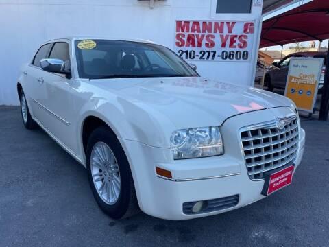 2010 Chrysler 300 for sale at Manny G Motors in San Antonio TX