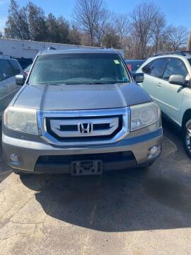 2008 Honda Pilot for sale at Whiting Motors in Plainville CT
