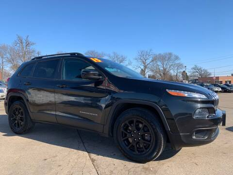 2015 Jeep Cherokee for sale at Victory Motors in Waterloo IA