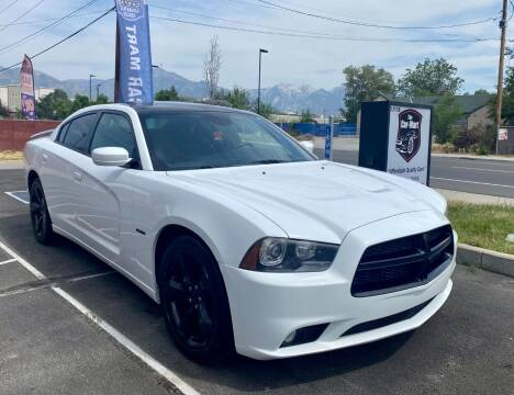 2014 Dodge Charger for sale at The Car-Mart in Murray UT
