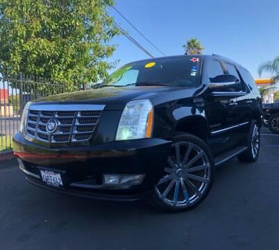 2009 Cadillac Escalade for sale at LUGO AUTO GROUP in Sacramento CA