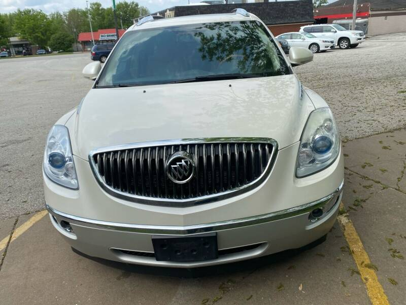 2008 Buick Enclave for sale at Locust Auto Sales in Davenport IA