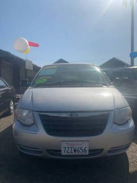 2006 Chrysler Town and Country for sale at Premier Auto Sales in Modesto CA