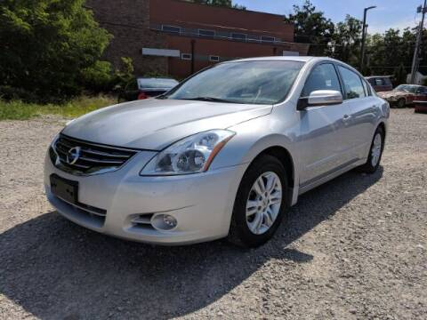 2012 Nissan Altima for sale at DILLON LAKE MOTORS LLC in Zanesville OH
