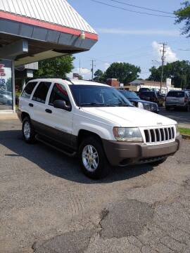 2004 Jeep Grand Cherokee for sale at Carz Unlimited in Richmond VA