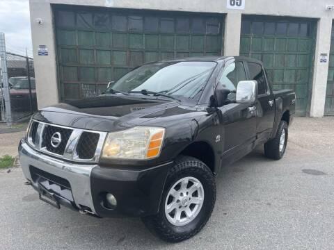 2004 Nissan Titan for sale at Illinois Auto Sales in Paterson NJ
